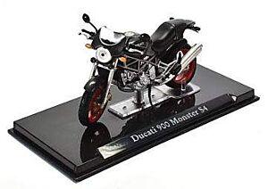 Ducati 900 Monster S4